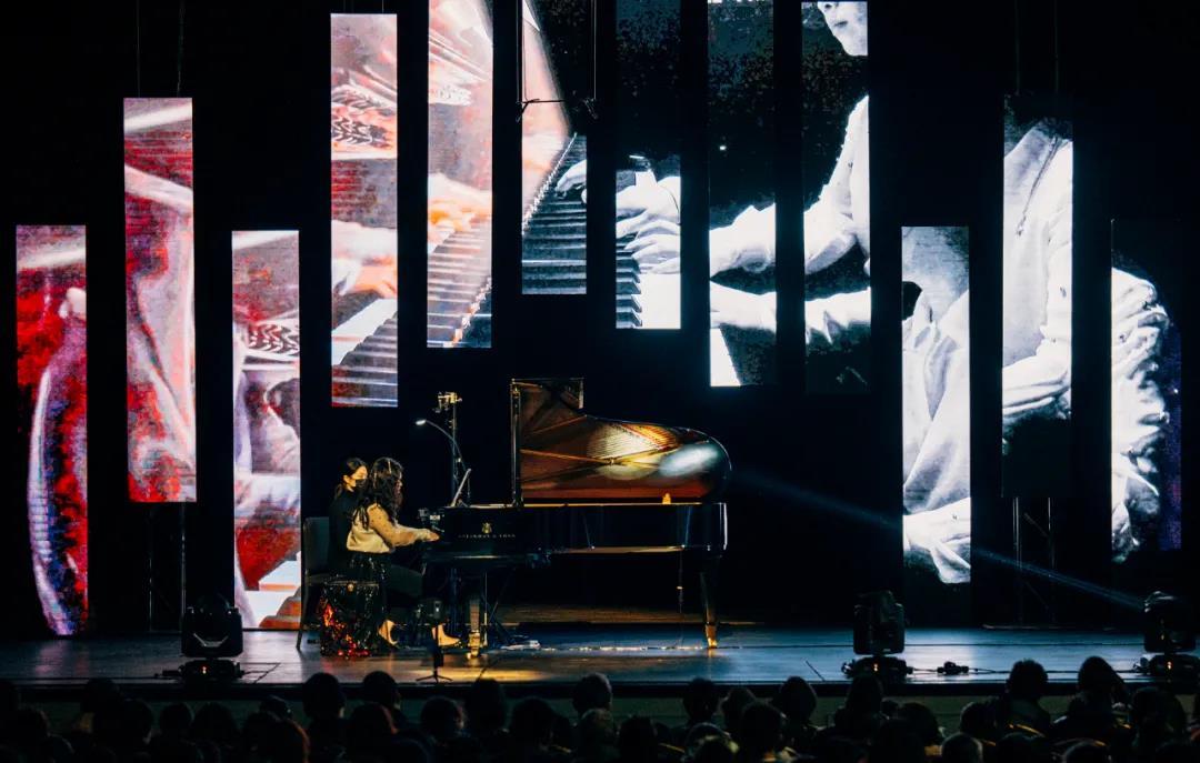 """一场光速音乐之旅,带你去往""""声、光、电""""的超媒体艺术彼岸"""